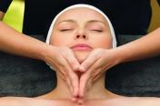 Massage du cuir chevelu, visage et décolleté