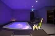 Espace privatif en Duo 2h00  ( Accès au sauna, hammam et jacuzzi) + 2 coupes de champagne offertes